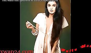 Alia Bhatt bollywood Teat and knockers (sexwap24 xxx dear one movie )