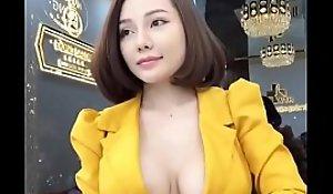 Dispirited Vietnamese Cô ấy là ai?
