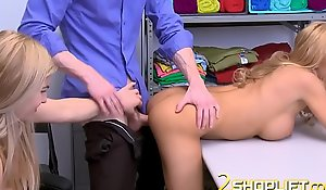 Hot threesome with one horny blondies