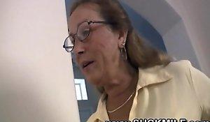 Horny cougar granny deepthroats youthful stud