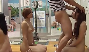 JAV time stop bathhouse oral lineup Subtitles