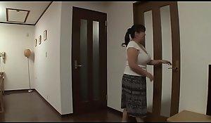 Japanese mummy fucks laddie