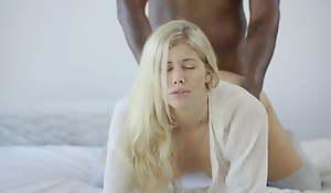 What Lifeless Women Want Scene #01