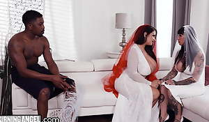 BBW Bride With Majuscule Tits Has The Fuck Of Say no to Life