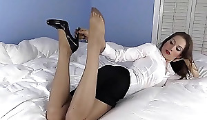 Your hot secretary comes lodging for a XXX fuck